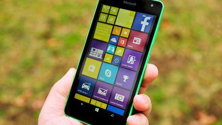 "Telefon Microsoft Lumia 535 v zelené barvě s 5"" dotykovým displejem"