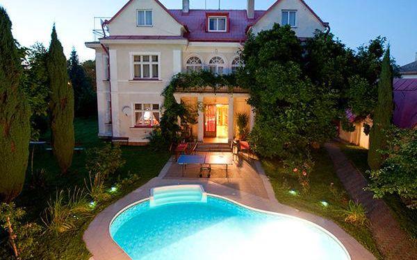 Romantická dovolená v Praze, bazén neomezeně
