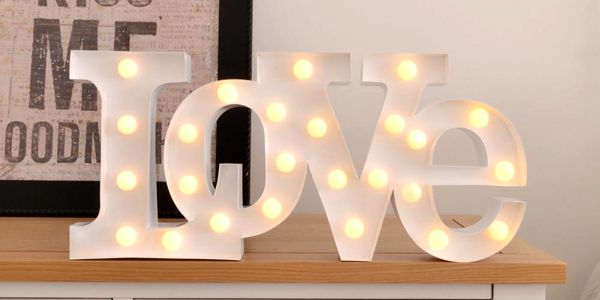 Dekorativní světlo Carnival Love, bílé - doprava zdarma!