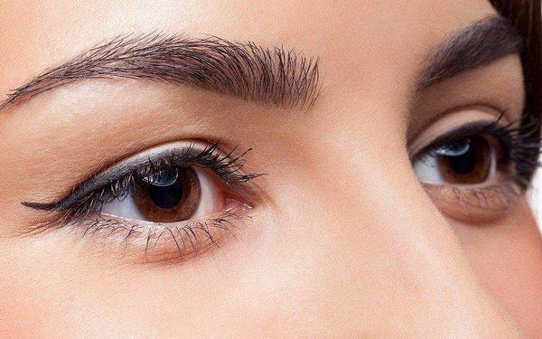 Okouzlete pohledem perfektně upravených očí