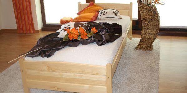 Vyvýšená postel Joana + matrace + rošt 90 x 200 cm - přírodní - lak