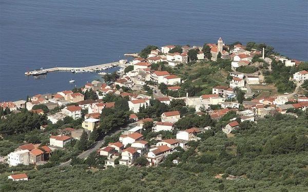 Chorvatsko - Gradac na 8 až 10 dní, bez stravy s dopravou autobusem nebo vlastní 30 m od pláže