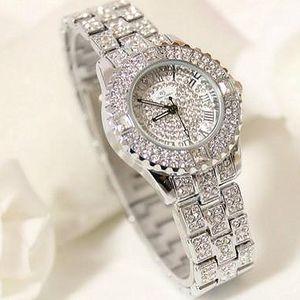Luxusní hodinky s krystalky