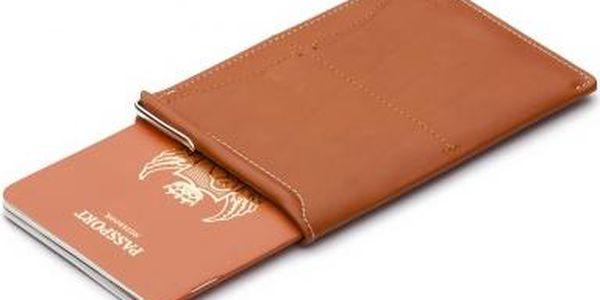 Obal na cestovní pas světle hnědá Passport Sleeve Tan