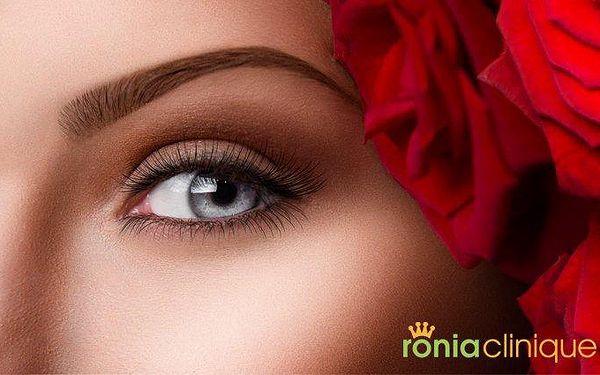 Komplexní vyhlazení očního okolí a pozvednutí očních víček v pražské Ronia Clinique