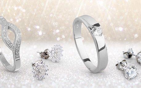 Decentní stříbrné šperky se zirkony