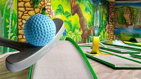 Vstupné na indoor minigolf v Praze pro 2 osoby nebo rodinu