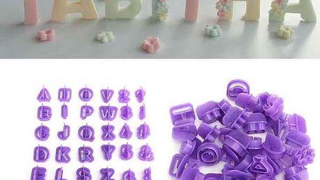 Sada vykrajovátek s písmeny a čísly - 40 kusů