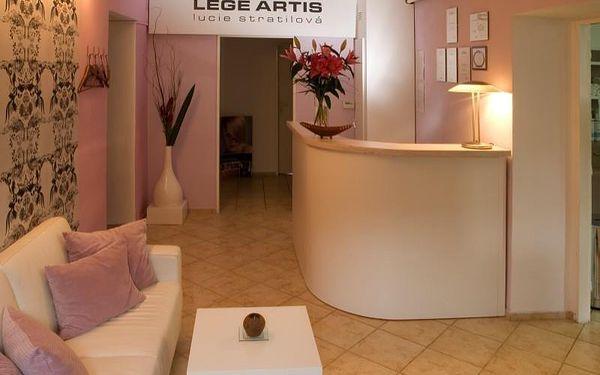 Dámský střih, péče regenerační kosmetikou a masáž2