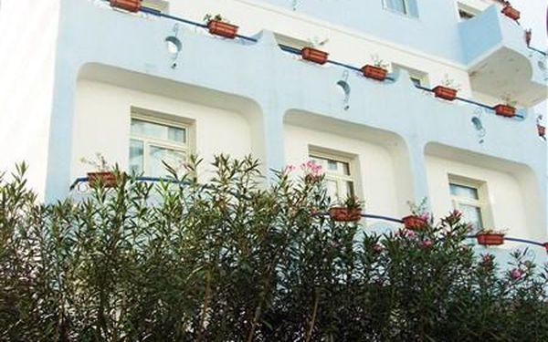 Itálie - Sicílie - Giardini Naxos na 8 dní, polopenze s dopravou letecky z Prahy 500 m od pláže