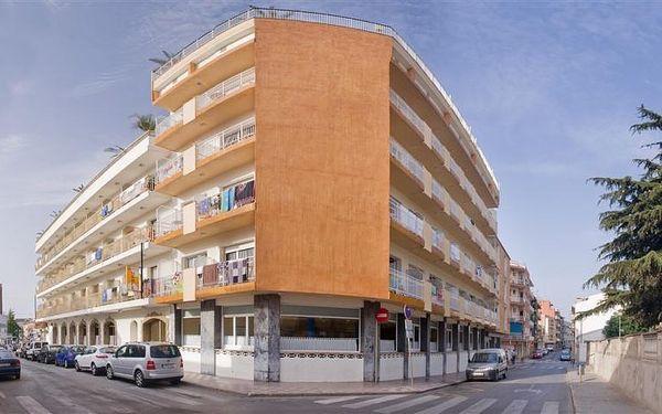 Španělsko - Costa del Maresme na 8 až 14 dní, plná penze, polopenze nebo snídaně s dopravou autobusem nebo letecky z Prahy 450 m od pláže