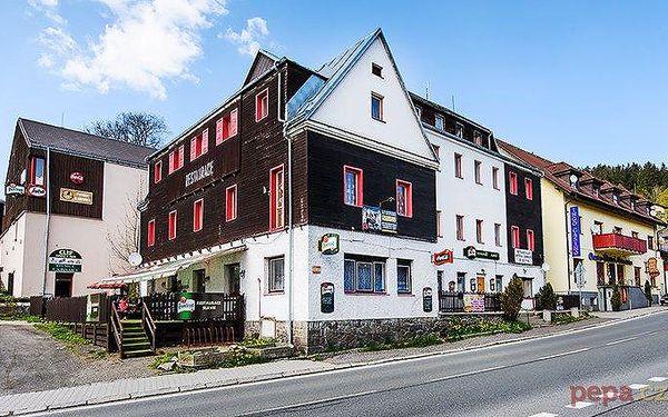 3–4denní pobyt pro 2 osoby se snídaněmi nebo polopenzí v hotelu Slávie na Šumavě