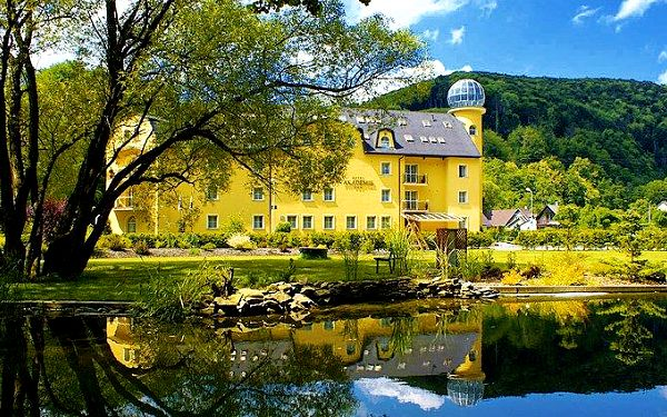 4denní pobyt s polopenzí pro 2 dospělé a 1–2 děti v hotelu Akademie Hrubá Voda u Olomouce