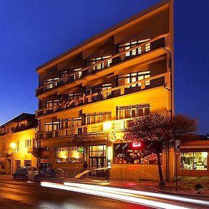 3–6denní pobyt s polopenzí a masáží pro 2 v hotelu Krystal v Luhačovicích