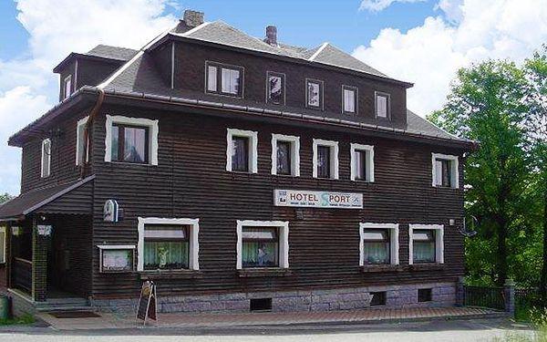 3–6denní pobyt s polopenzí pro dva v Krušných horách v hotelu Sport Bublava