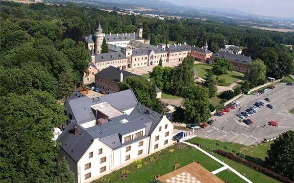 Letní dovolená s wellness na zámku Sychrov**** pro 2 osoby3