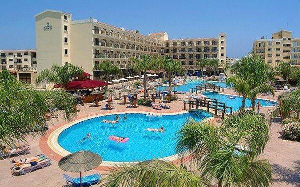 Kypr - Larnaca na 8 až 10 dní, all inclusive nebo polopenze s dopravou budapešť 200 m od pláže