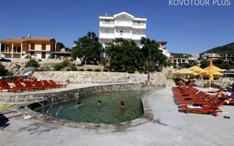 Černá Hora, letovisko Kruče, rodinný Hotel R s výhledem na moře, snídaně v ceně