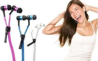 Stylová sluchátka s mikrofonem na zip v krásných barvách.