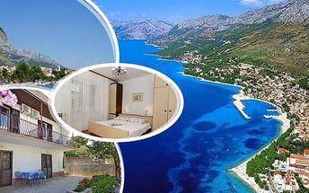 Dovolená - Baška Voda v Chorvatsku - 150m od moře. Pobyt na 8 dní pro 1 osobu s polopenzí nebo bez stravy.Ubytováni budete ve studiu, apartmánech nebo pokojích s balkonem či posezením na terase nebo zahradě. Užijte si dovolenou ve vyhlášeném středisku po