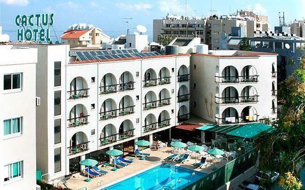 Kypr - Larnaca na 12 dní, plná penze, polopenze nebo snídaně s dopravou letecky z Bratislavy 200 m od pláže
