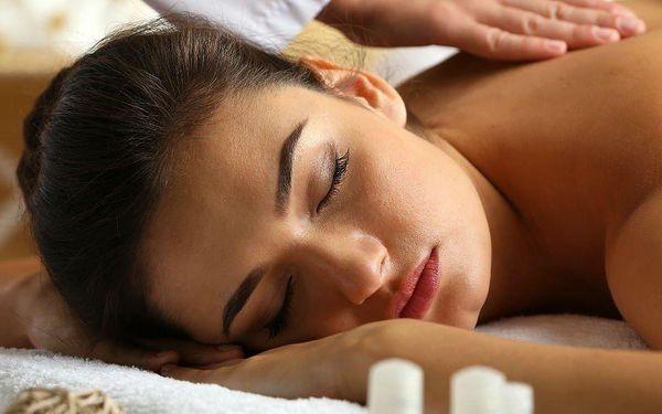 Uvolňující masáž zad a šíje v délce 70 minut