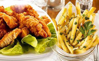 500g kuřecí mini řízečky, 400g zlatavé hranolky a zeleninová obloha - restaurace Baba Jaga!