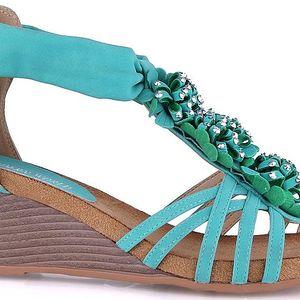 Sandálky na klínku