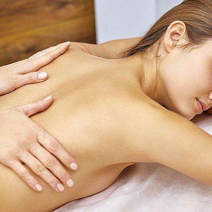 Celková relaxační masáž vonnými oleji dle výběru