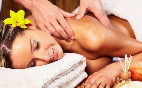 Rehabilitační masáž zad, šíje a beder