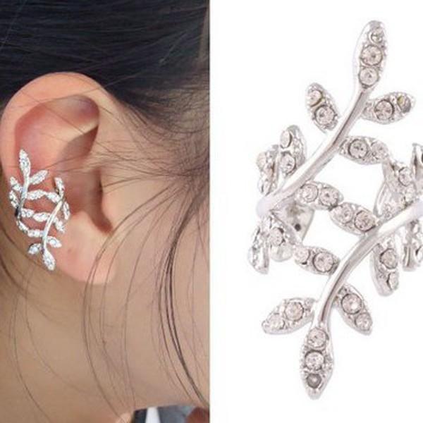 Spirálová náušnice na ucho s kamínky