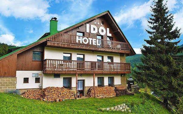 3 až 7denní pobyt pro 2 s polopenzí a whirlpool v hotelu Idol v Krkonoších