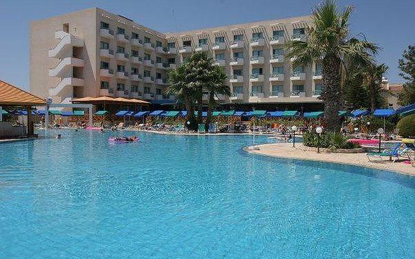 Kypr - Larnaca na 8 až 10 dní, all inclusive nebo polopenze s dopravou budapešť