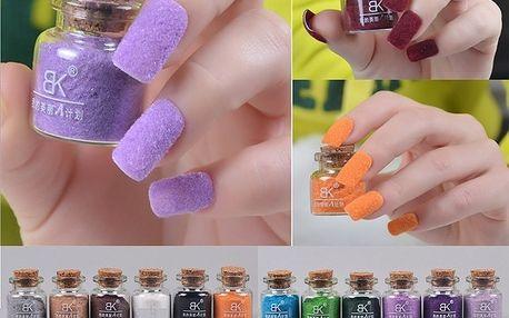 Jemné zdobení na nehty - mnoho barev