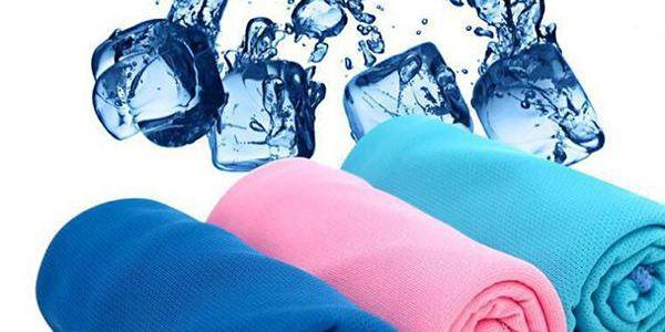 Chladící ručník pro osvěžení v parném létě