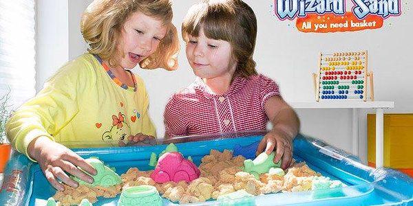 Kinetický písek Wizard Sand v plastovém boxu s několika formičkami pro děti