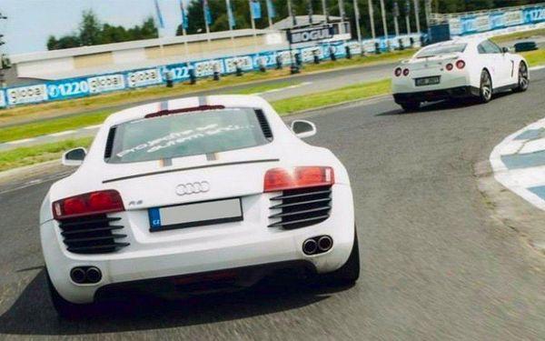 Den za volantem supersportů na okruhu Showcars