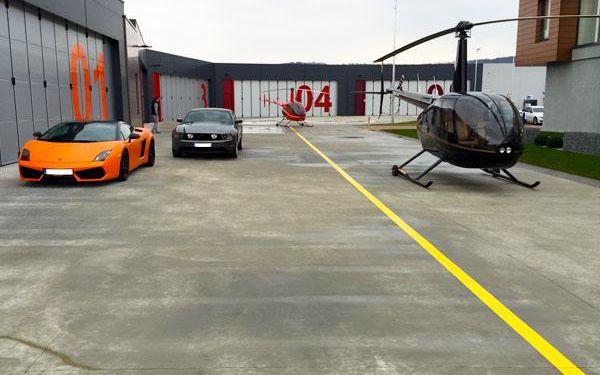 Projížďka v supersportu nebo v helikoptéře