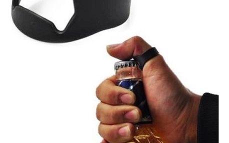 Otvírák na pivo v podobě prstenu - černá