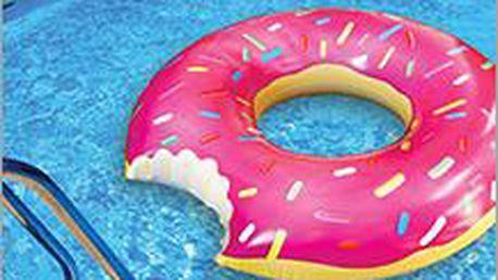 Buďte u vody nepřehlédnutelní díky obřímu nafukovacímu donutu! Skvělý doplněk k vodním radovánkám za 499 Kč!