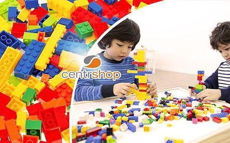 Dětská stavebnice: box plný kostek, celkem 325 dílků a šest odstínů. Poštovné není v ceně