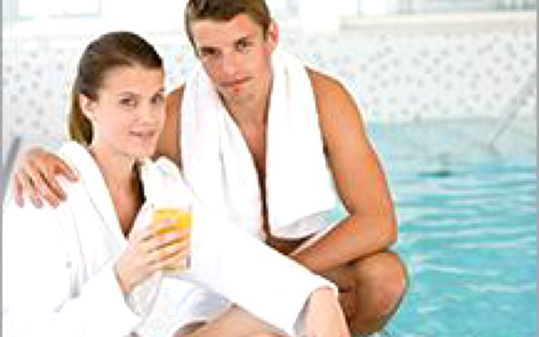 Romantika ve wellness pro dva! Báječné hýčkání těla i mysli a láhev sektu ktomu! Už se těšíte?