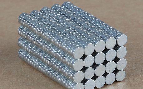 300 ks silných magnetů oválného tvaru