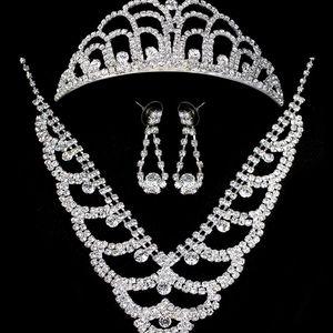 Štrasová sada Waves náhrdelník, náušnice a korunka