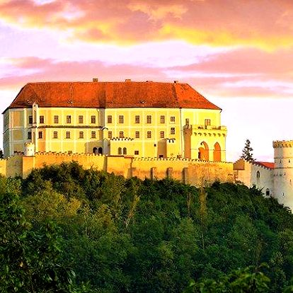 2–3denní romantický pobyt v apartmánu na zámku Letovice na Moravě pro 2 osoby