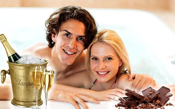 Čokoládová vířivka pro dva ve wellness Hotelu Golf****, relaxace v soukromí + lahev sektu zdarma.
