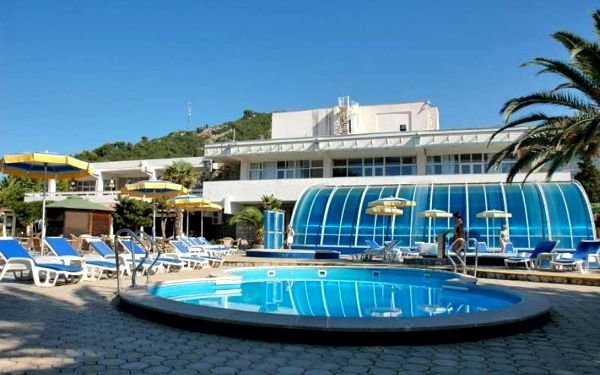 Černá Hora, Budvanská riviéra, letecky na 8 dní s all inclusive