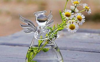Krásná vázička v podobě andílka
