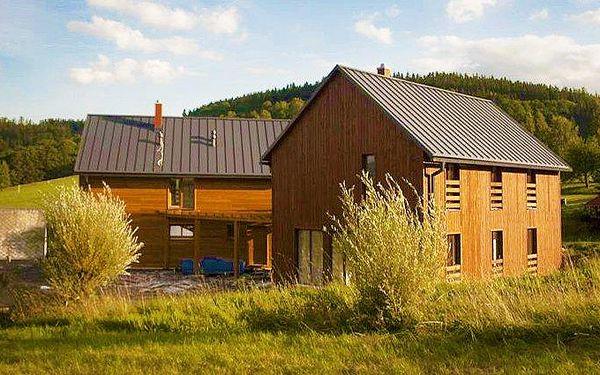 4denní pronájem luxusní horské chaty se saunou pro 2–12 osob v Krkonoších