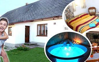 Relaxační pobyt v apartmánech pro 2 osoby na 3 až 8 dní v srdci Českomoravské vrchoviny s polopenzí a masáží. Užijte si privátní vířivku, finskou nebo infra saunu a objevujte krásu přírody na rozhraní CHKO Žďárské vrchy a Železných hor.